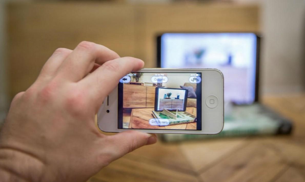 Trasforma un vecchio telefono in una videocamera di sicurezza in 3 passaggi. Ecco come farlo